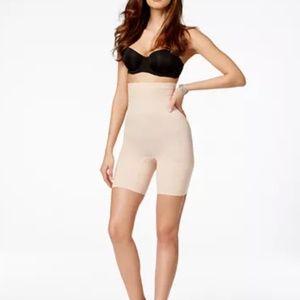 NWT Spanx High-Waisted Mid-Thigh Short